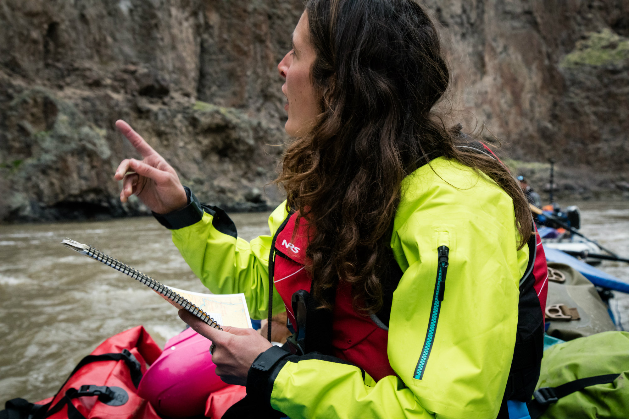 317f9abc36c Keep your eyes open. Watch everything that goes on around you. From what  knot a senior guide uses to tie up their raft, to paddle placement and boat  ...