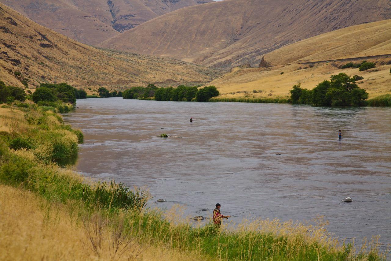 Canyons of Oregon: Paddling the Fringe Season | Duct Tape Diaries | NRS
